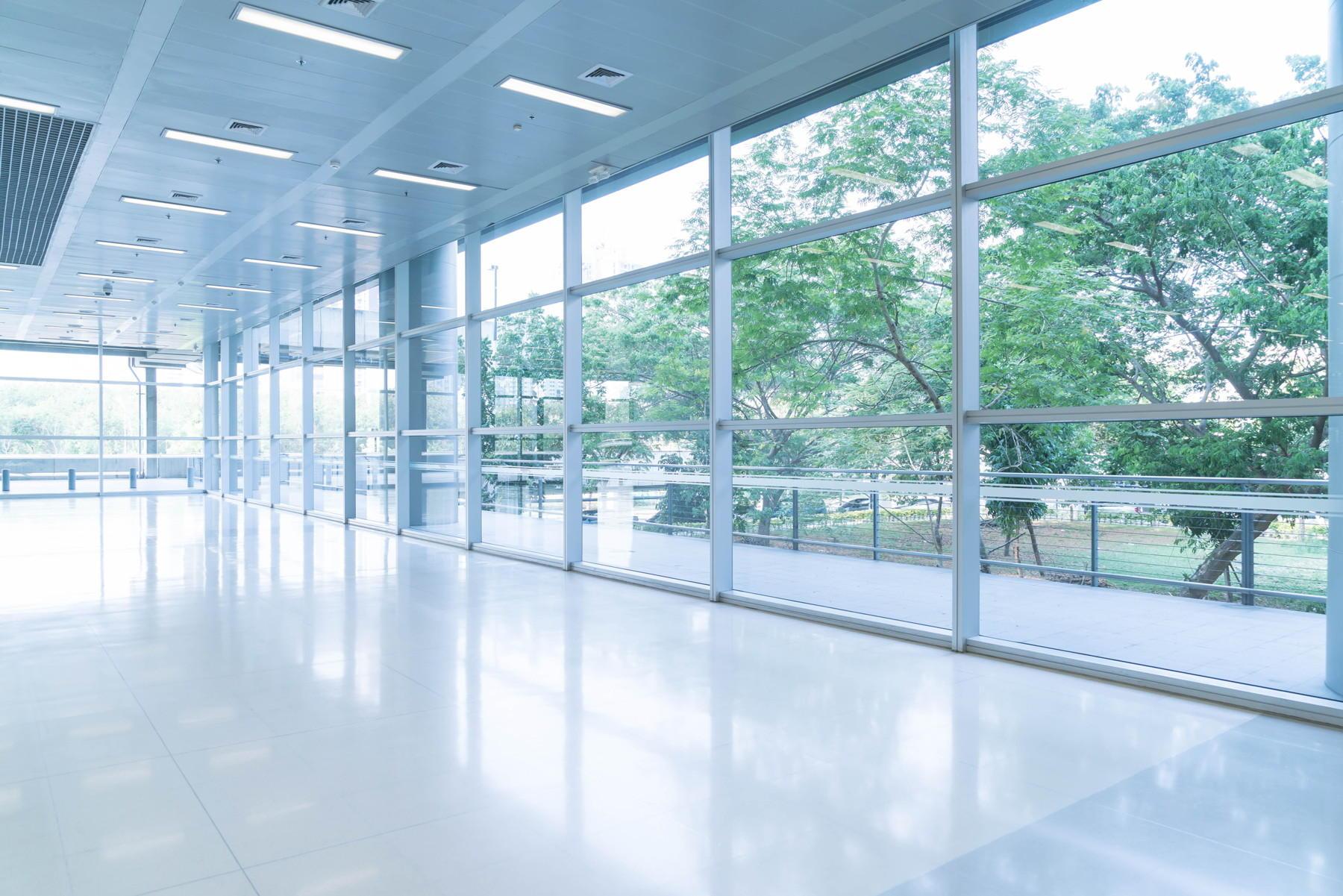 nowoczesne okna pcv - okna trzyszybowe z ciepłą ramką Stolmar Toruń